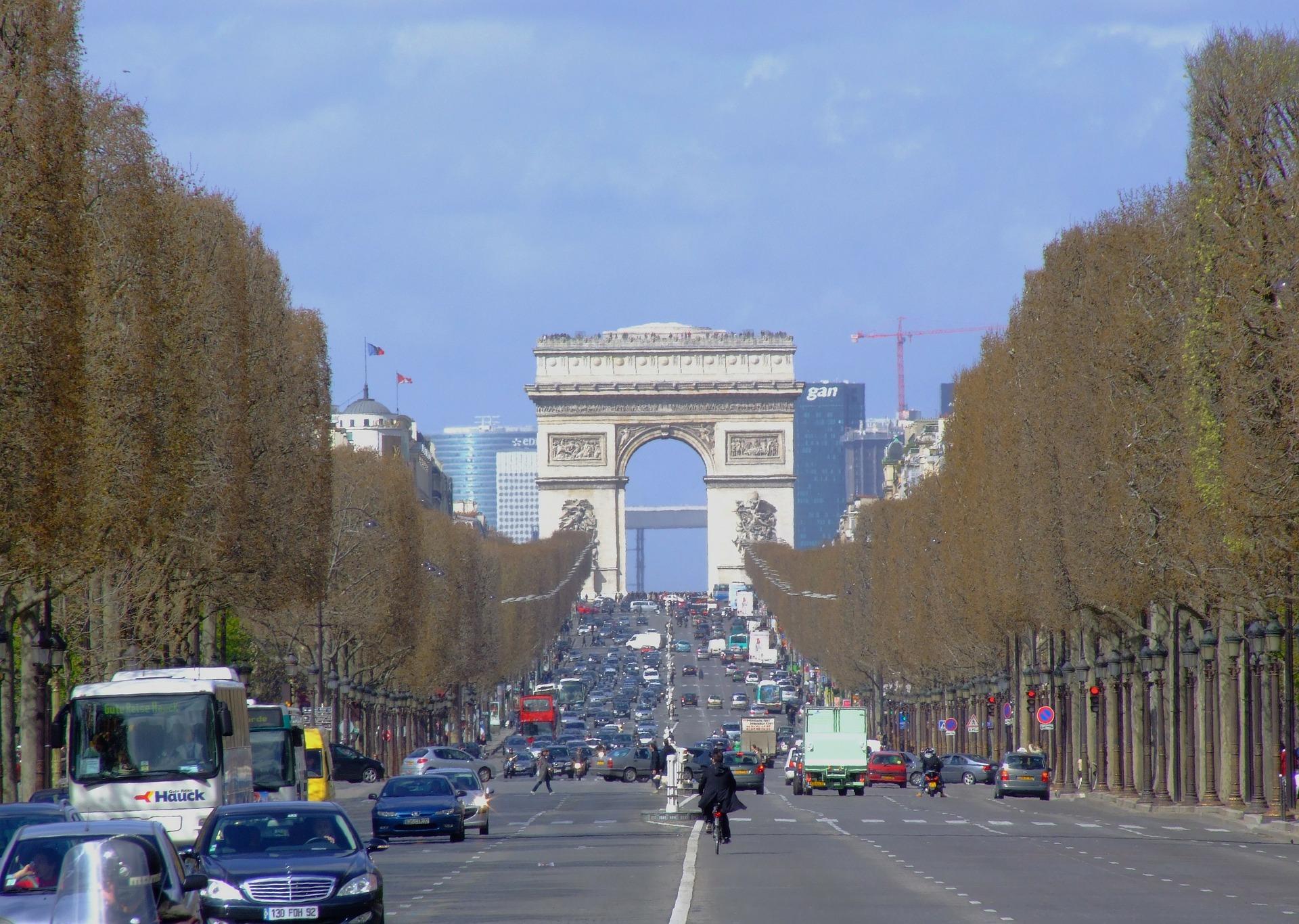 FRANCIA - Dal 1 luglio 2019 divieto circolazione a Parigi con vignetta 4 Crit'Air